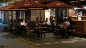 Cines y museos reabrirán en CDMX; bares operarán como restaurantes