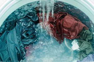 Proporciona IMSS información sobre limpieza de ropa para prevenir contagios de Covid-19