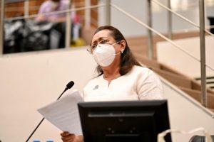 Sociedad debe vigilar el trabajo de las y los legisladores de Yucatán: López Escoffié