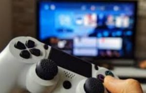 Problemas óseos en articulaciones, por pasar horas seguidas en videojuegos: IMSS