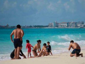 Reabiertas al turismo todas las playas públicas de Cancún