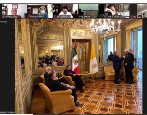 Recibe arzobispo yucateco medalla Ohtli
