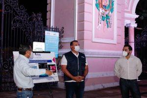 Mejoran la iluminación de la entrada principal del Parque Zoológico del Centenario en Mérida