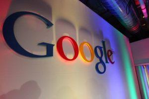 Demanda EU a Google por monopolio en anuncios y búsqueda en internet