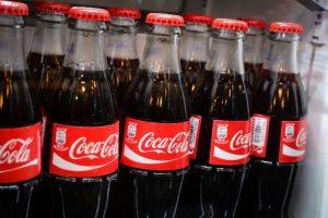 Coca-Cola le dirá adiós a la mitad de sus marcas de bebidas ante crisis por COVID-19