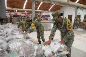 """""""Ejército y Fuerza Aérea Mexicanos, continúa aplicando el Plan DN-III-E en Tabasco, así como entrega de despensas a la población afectada"""""""