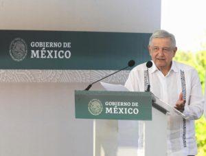 AMLO destaca trabajo de militares en Tren Maya y aeropuerto de Santa Lucía
