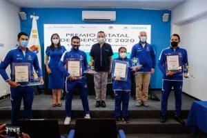 Autoridades reconocen a atletas Quintanarroenses