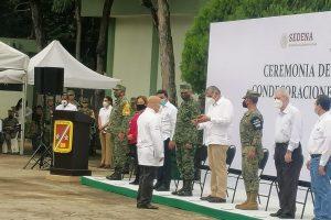 Realiza 30/a. Zona Militar ceremonia de ascensos y condecoraciones a elementos de la corporación y Sector Salud