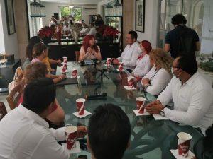Layda Sansores se reúne con la estructura morenista de Campeche