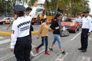 Limitarán movilidad en 12 municipios de Veracruz por aumento en casos de COVID-19