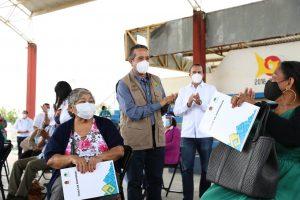 La certeza patrimonial contribuye a disminuir la desigualdad social en Quintana Roo: Carlos Joaquín