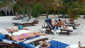 Predomina turismo Europeo en Holbox, pese a bajas temperaturas de los últimos días