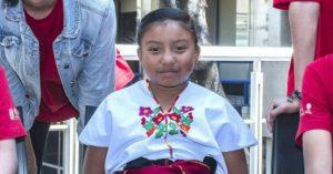 Conoce a Xóchitl, la primera niña en ganar el premio en ciencia nuclear de la UNAM