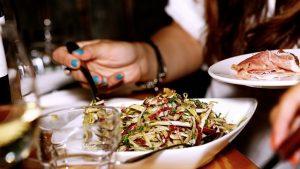 Restaurantes ven repunte en su actividad con la llegada de la vacuna anticovid