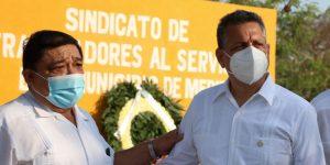 Alejandro Ruz reconoce el esfuerzo y la labor de los servidores públicos municipales a favor de Mérida