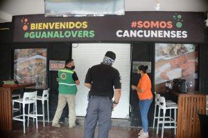 """Por incumplir con documentación, clausuran el bar """"Las de Guanatos"""" en Cancún"""