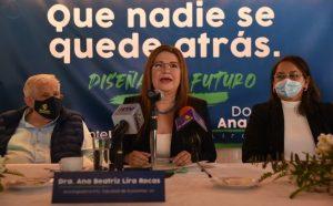Beatriz Lira Roca va como aspirante a la rectoría UV