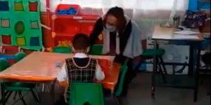 Niño de 5 años, único que regresa a clases presenciales en kínder de Ecatepec