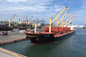 Cierran Puerto de Veracruz por paso de huracán Grace