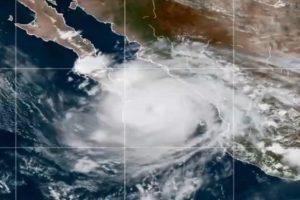 Así fue la llegada del huracán «Olaf» a Los Cabos