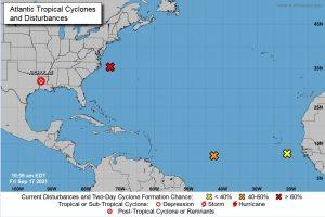 Hay 3 disturbios en el Atlántico; 2 con 70% de probabilidad de evolucionar a ciclón tropical