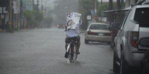 No guardes el paraguas, continuarán las lluvias en Yucatán